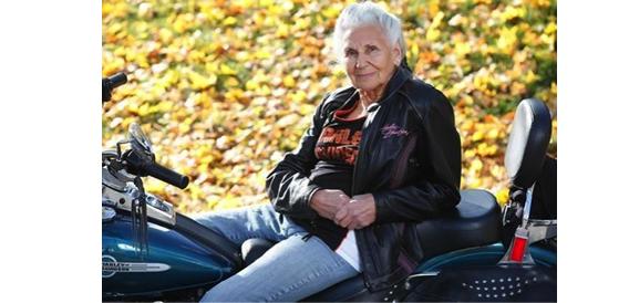 matriarca-das-mulheres-motoqueiras-gloria-tramontin-struck-89-anos-fotodestaque